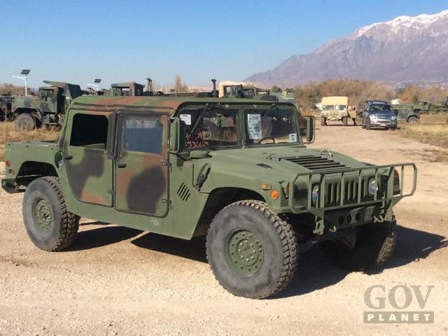 Governo dos eua leiloa humvees usados motor show for Planet motors on military