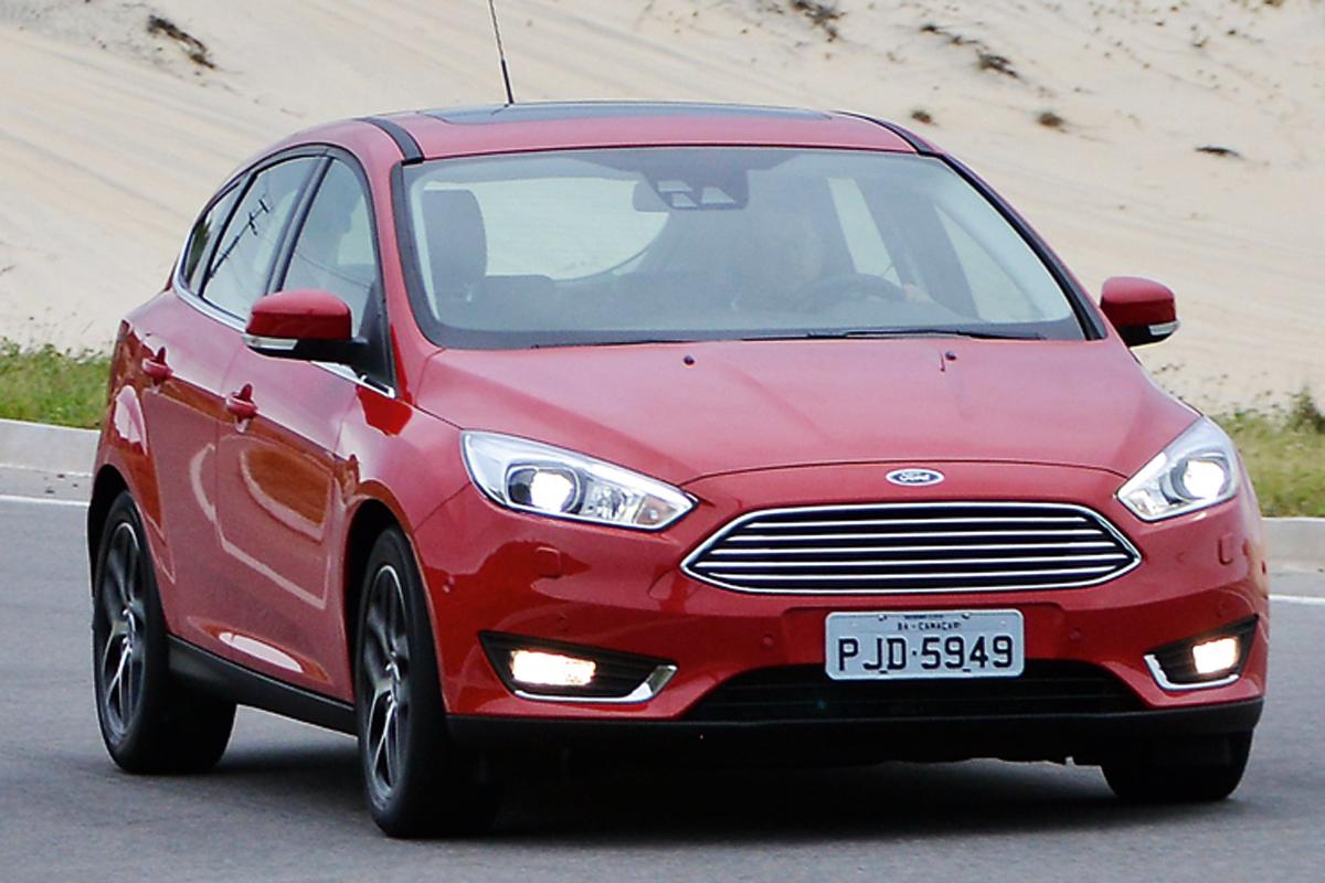 Ford Focus Titanium   – R$ 97.900  É bem equipado, usa câmbio automático  e tem motor de 2,0 litros com 178 cv