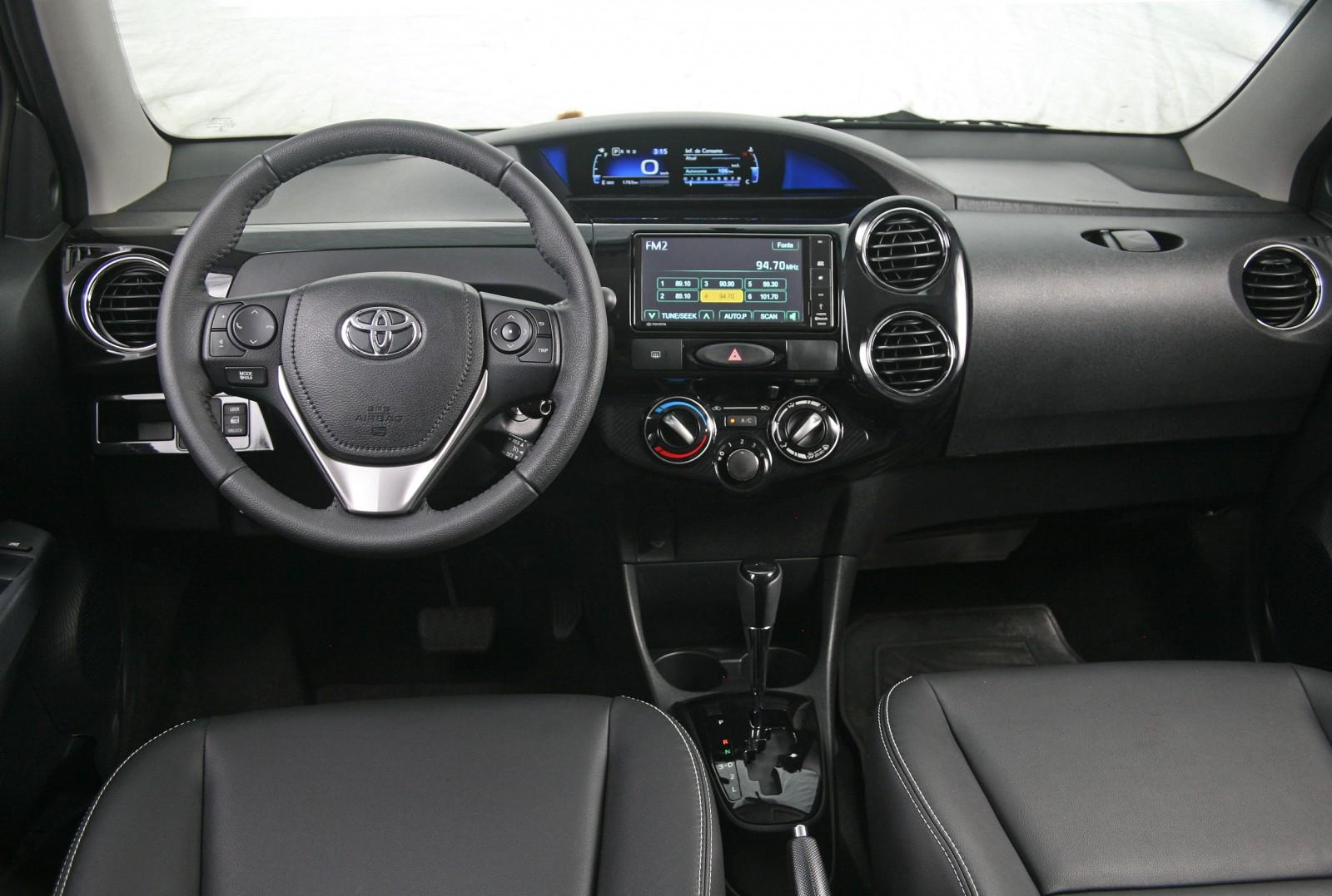 Avaliação: Toyota Etios 2017 é o senhor da razão - Motor Show
