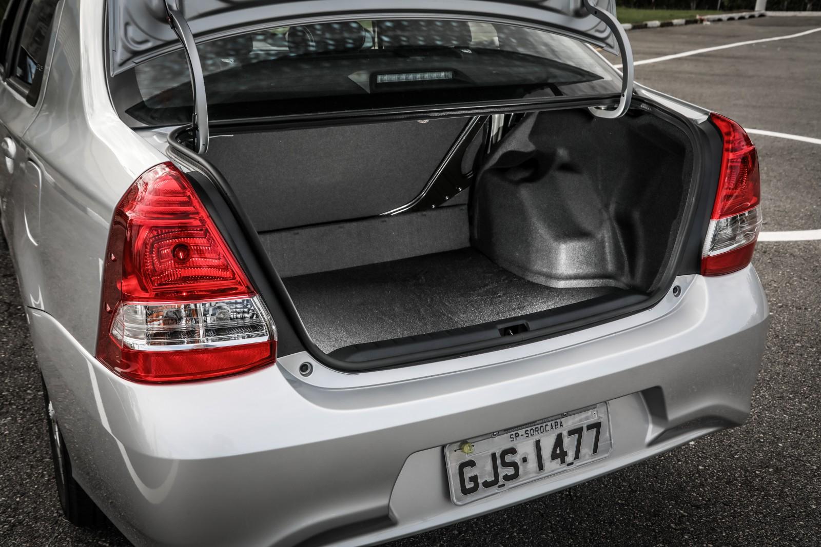 Avaliação: Toyota Etios Sedã XLS 2018 chega à maturidade ...