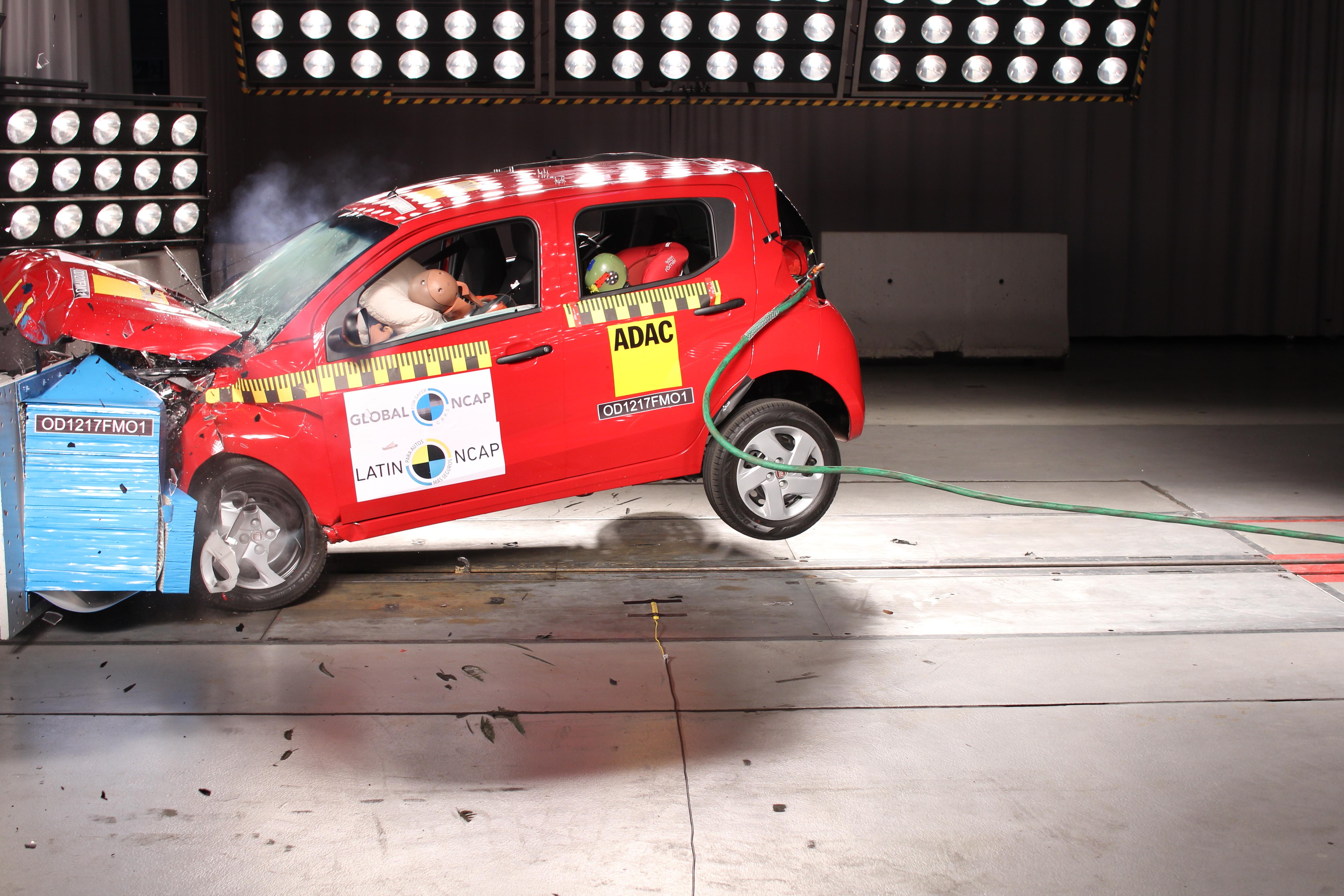 Fiat Mobi recebe uma estrela em teste de impacto