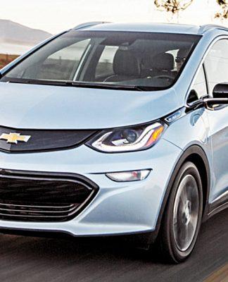 Projeto de lei quer zerar impostos de importação e venda para derrubar preço do carro elétrico e híbrido
