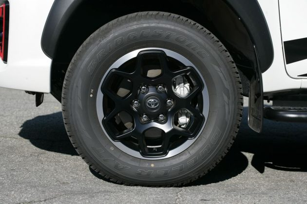 Toyota Hilux GR-S
