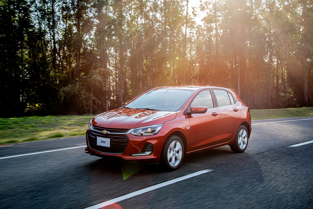 Chevrolet Onix avaliado com o carro mais econômico: nova gasolina com mais qualidade deve aumentar rendimento e diminuir consumo