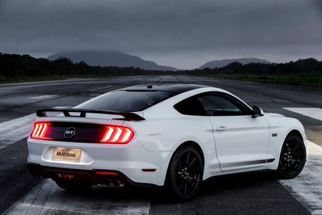 Ford Mustang Black Shadow (43)