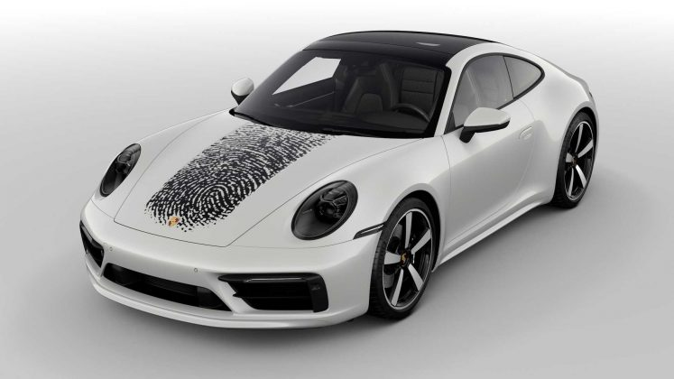O novo Porsche 911 com impressão digital gigante