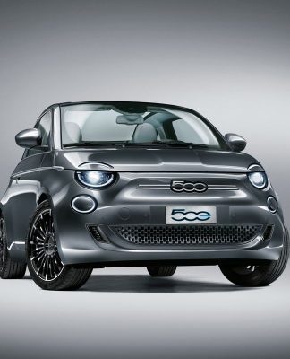 Novo Fiat 500 elétrico marca estreia da marca no segmento de carros com zero emissões