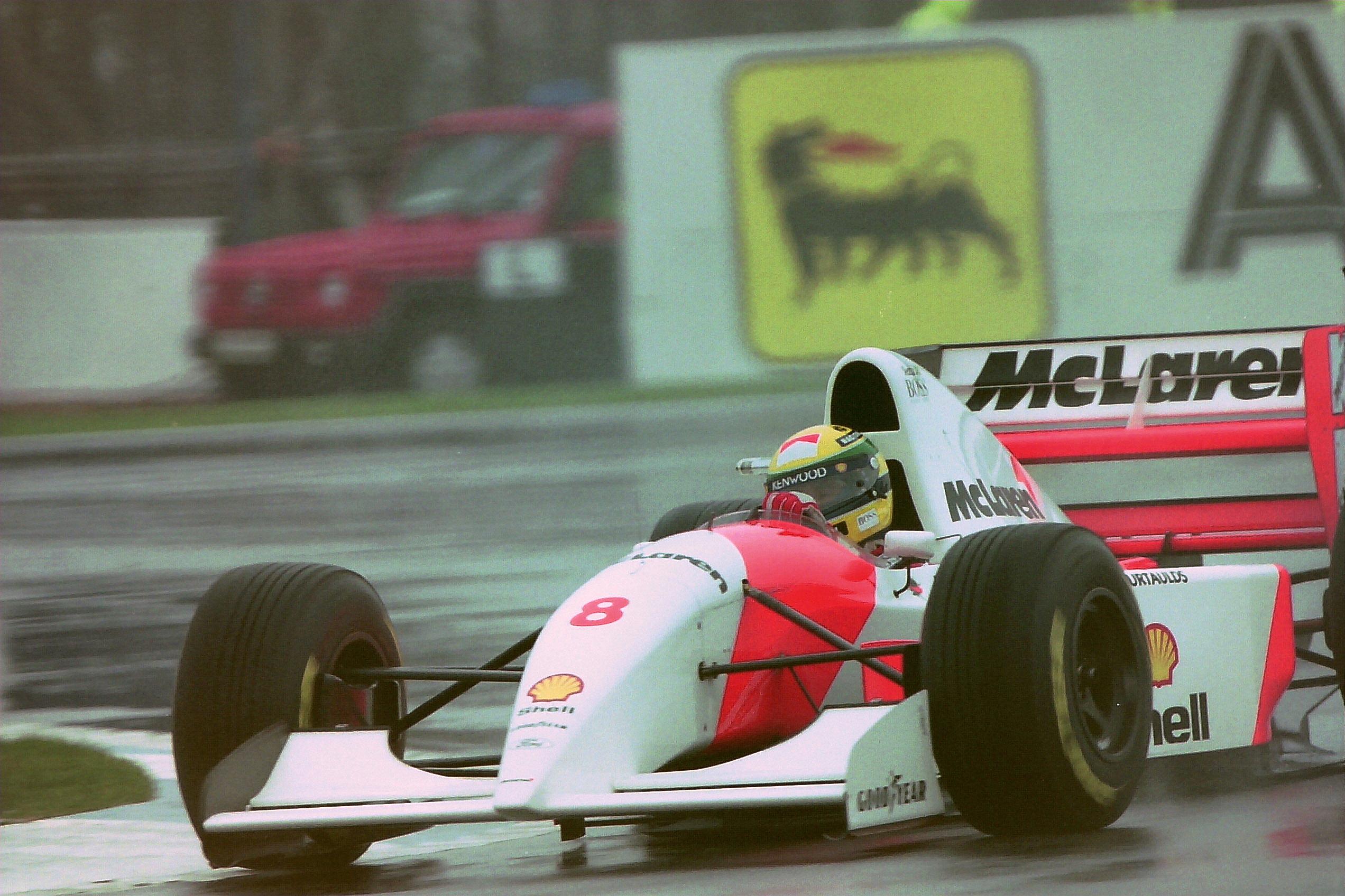 Senna no GP de Donnington em 1993: de sexto a líder na primeira volta.