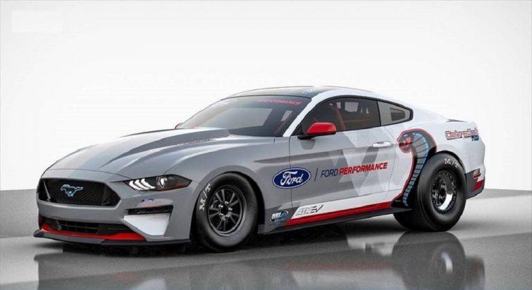 O Mustang Cobra é o primeiro dragster elétrico da Ford