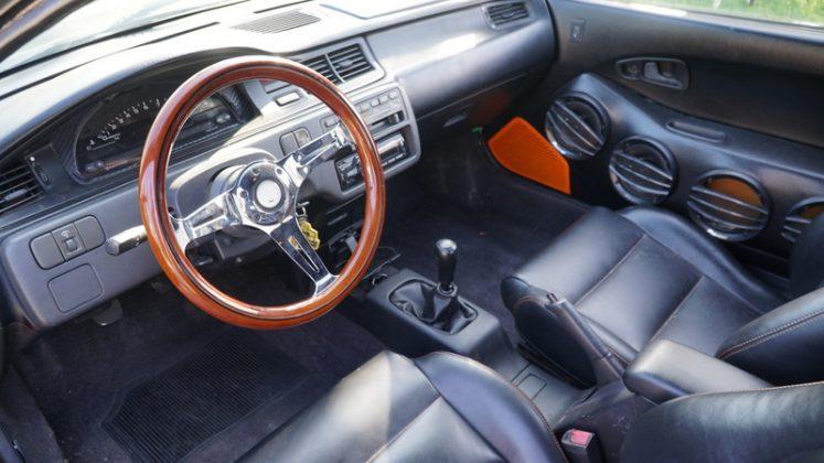Honda Civic vira um Bugatti Veyron (1)