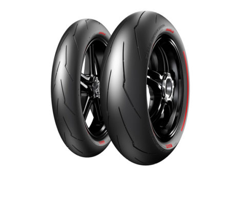 Pirelli desenvolve o novo pneu da Ducatti Superleggera V4