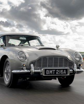 O Aston Martin DB5, o carro mais famoso do agente 007 imortalizado pelo ator Sean Connery