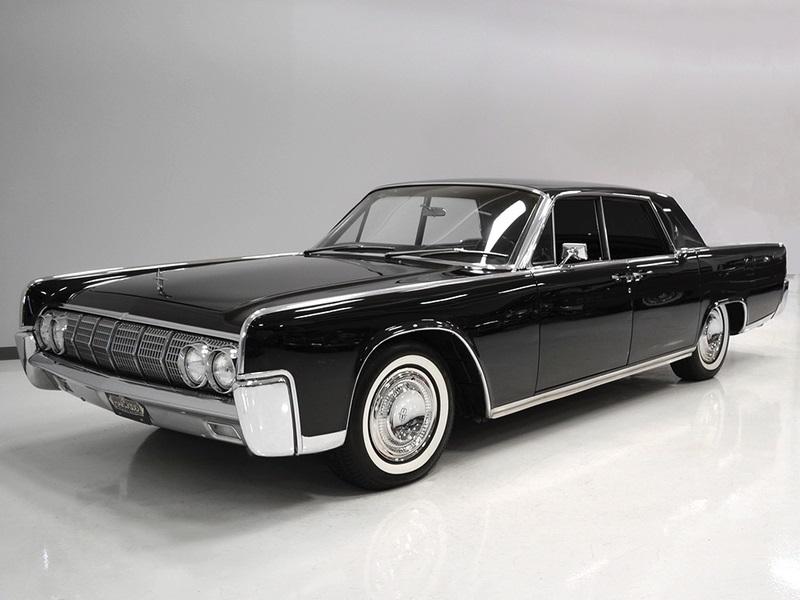 O Lincoln Continental preterido por Shields en detrimento do Mustang