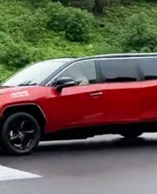 Toyota RAV4 Limousine (4)