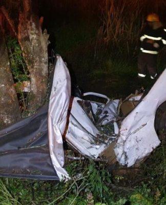 Saveiro se partiu ao meio em acidente no RS