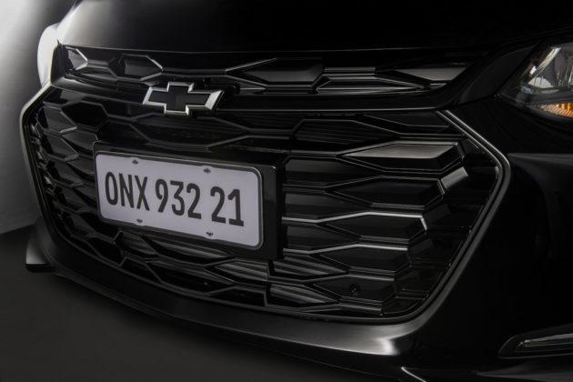 Chevrolet Onix Plus Midnight (3)