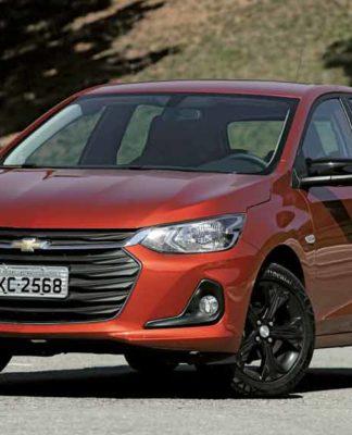 Onix manteve-se na liderança do ranking de mais vendidos ao lado da Fiat Strada