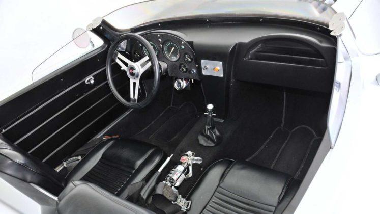 Chevrolet Corvette Velozes e Furiosos (1)