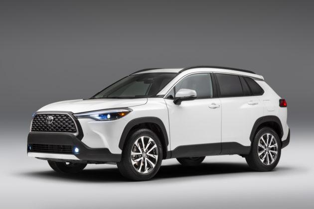 Toyota Corolla Cross chega aos EUA mais sofisticado e com tração integral