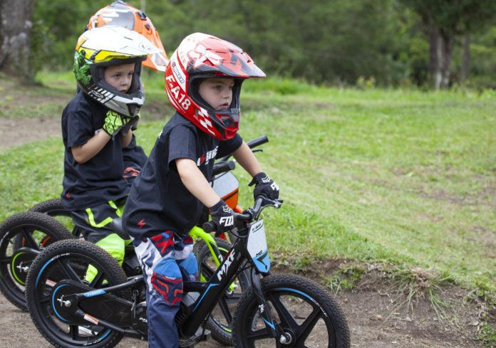 E-Biker 12 é uma bike elétrica para crianças a partir de 2 anos