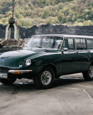 Conheça a Jerrari, um misto de Ferrari e Jeep Wagoneer criado nos anos 1960