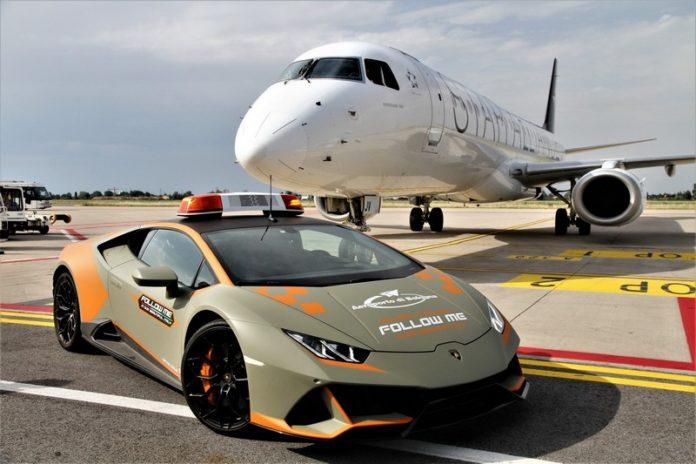Lamborghini Huracán EVO Aeorporto de Bolonha (6)