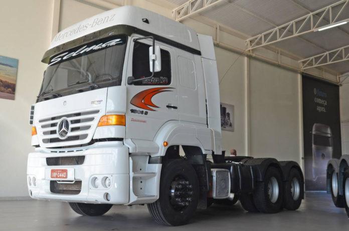 Caminhão Mercedes-Benz atinge marca de 2 milhões de km sem abrir o motor
