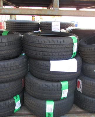 Leilão da Ford tem pneus, reboques e equipamentos industriais
