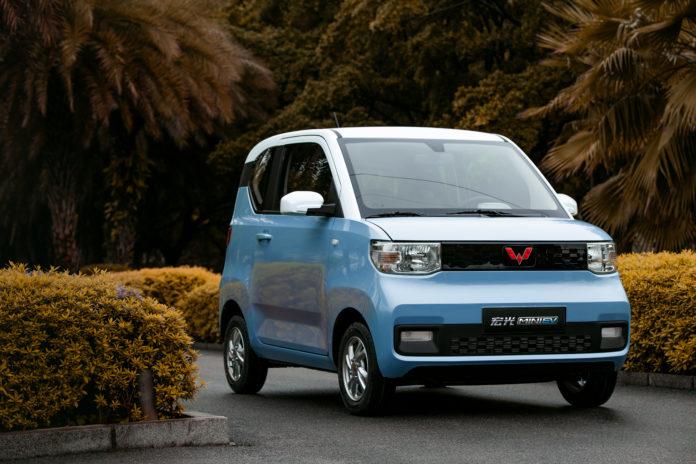 GM lucra o equivalente a R$ 72 com o carro elétrico mais vendido na China
