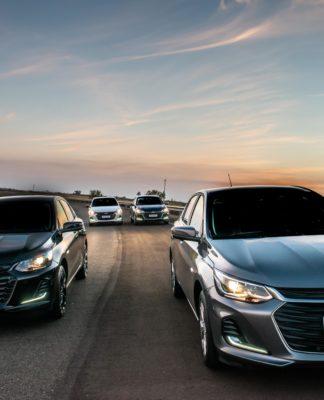 Chevrolet retoma produção e lança linha 2022 de Onix e Onix Plus