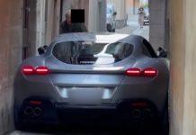 Vídeo: dono de Ferrari Roma erra cálculo e entala esportivo em rua italiana