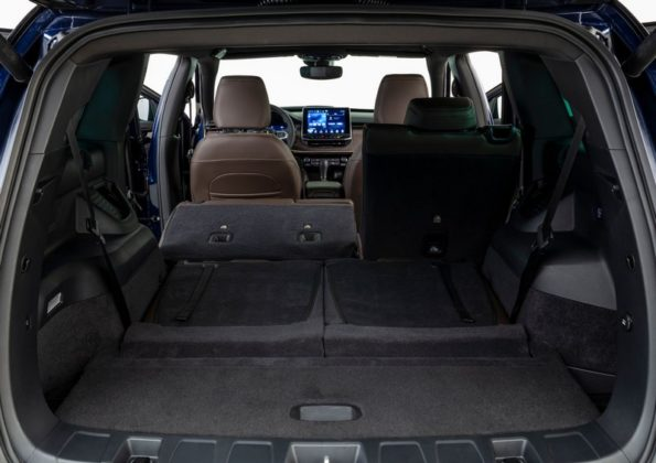 Jeep Commander Overland T270